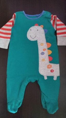 Pajac niemowlęcy dla chłopca , rozm 62 (0-3m-ce) NEXT, jak nowy