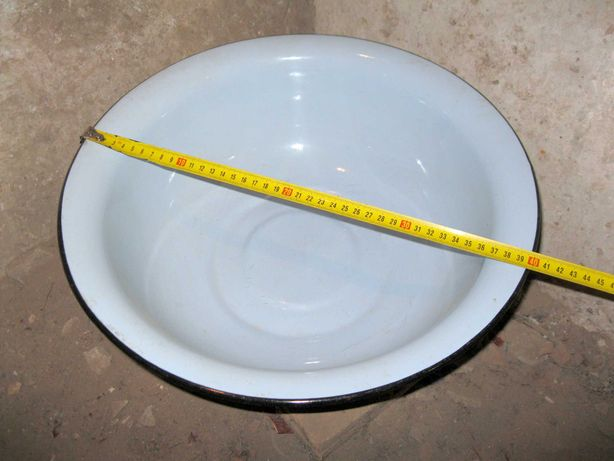 Эмалированный таз, диаметр 40см.