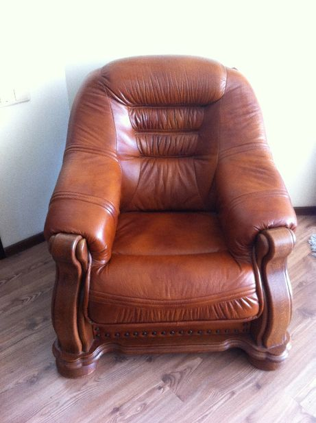 Продам кожаное кресло недорого