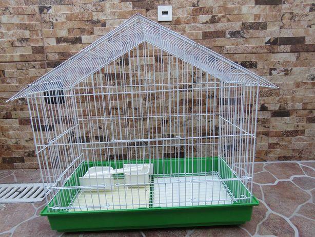 Gaiola para catatuas e aves semelhantes