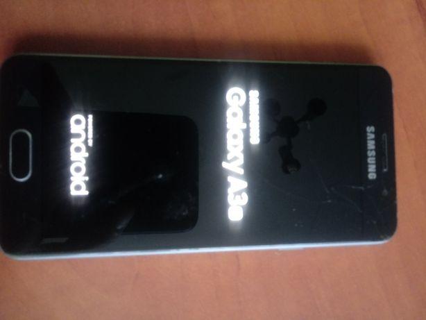 Smartfon samsung galaxy A3 2016 uszkodzony