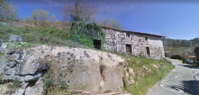 Três casas em Pedra no Gerês  e vistas magnificas