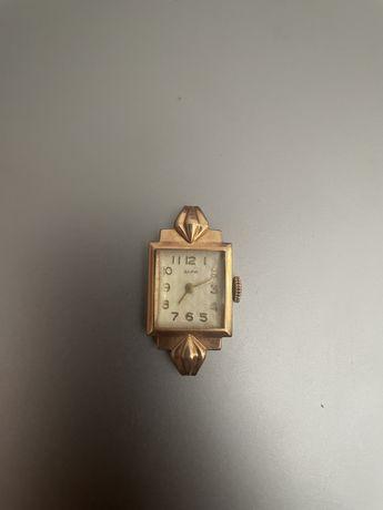 Часы золотые «Заря»