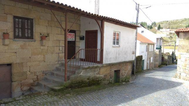 Casa para restauro com terreno Distrito de Viseu