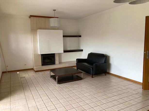 Apartamento T2 Aveiro, zona de Oiã