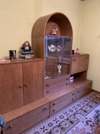 Komplet mebli drewnianych