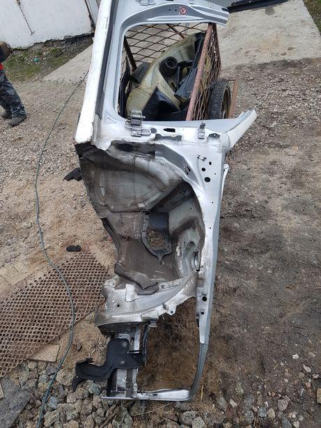 Audi a6 c6 ćwiartka próg słupek prawy prawa