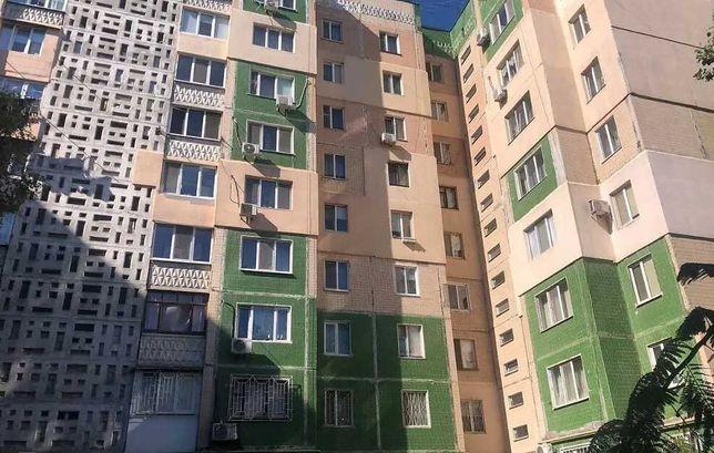 В продаже трехкомнатная квартира на ул. Ак. Королева.