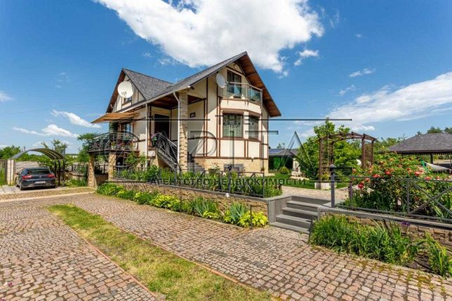 Продажа 3-этажного дома 320 м2 в с. Залесье, Броваской район