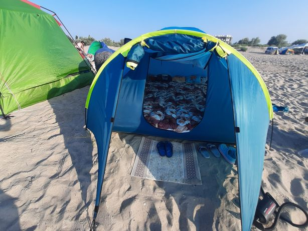 Палатка кемпінгова.