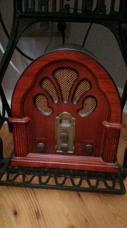 Radio retro stylizowane drewniane ,,elta'' stan idealny