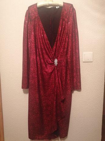 Красное вечернее платье с блестками
