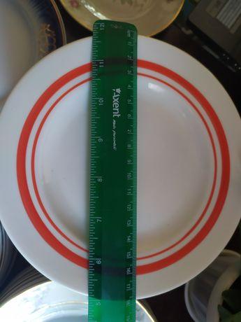 Мелкие тарелки в идеальном состоянии!