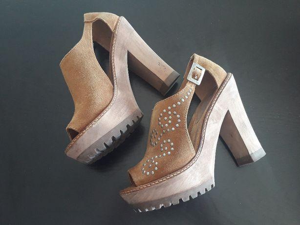 Sandálias Xuz Camel com tachas N.35 Novas