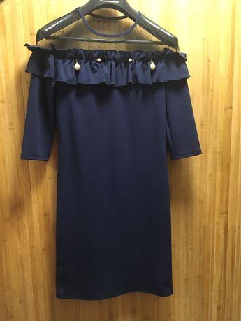 Женское платье темно синего цвета