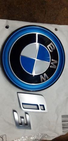 Продам значок эмблему на BMW I3 оригинал