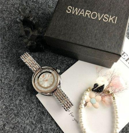 Zegarek Swarovski z bransoletką idealny prezent dla kobiety