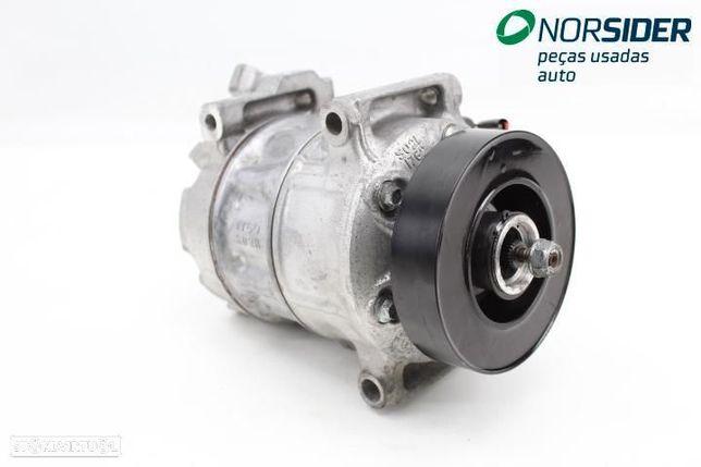 Compressor do ar condicionado Renault Megane IV Break Fase I 16-19