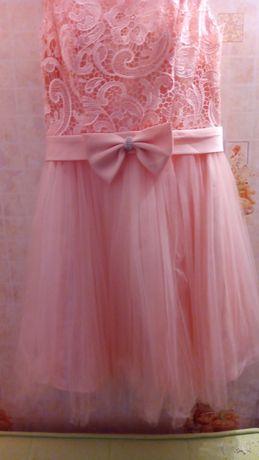 Продам платье 1000