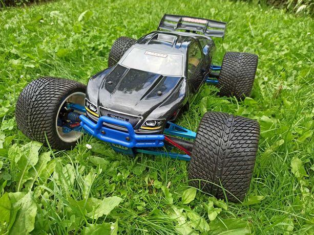 Traxxas Revo 3.3 samochód RC