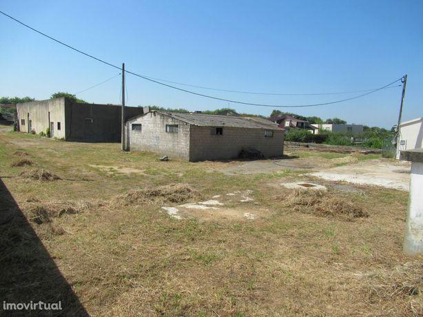Terreno com 1323 m2 em Miramar.