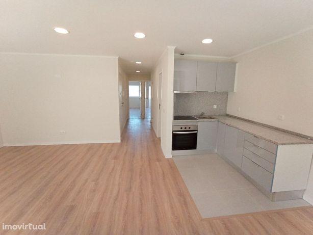 Apartamento T2 Renovado para venda no Campo Alegre - Boavista