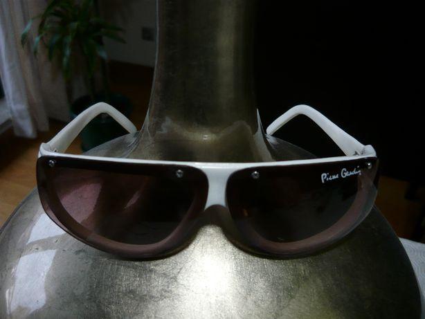 """Óculos de sol - Senhora - """"Pierre Cardin"""" - Usados"""