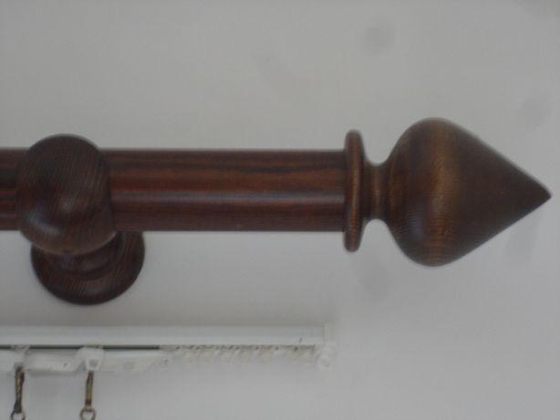 2 Varões em madeira, com fio dourado