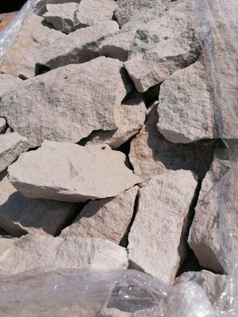 Piaskowiec kamień elewacja ogród bryły