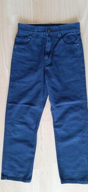Spodnie r. 128