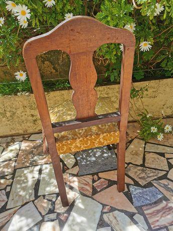 Cadeira antiga para venda