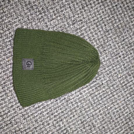 Зелёная шапка шапочка