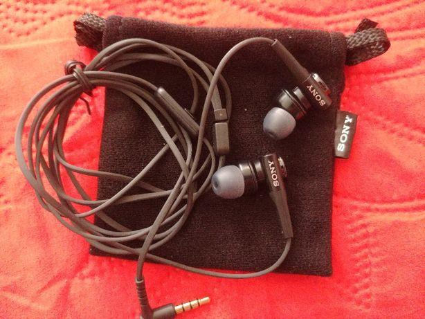 Наушники с микрофоном Sony MDR-XB50AP