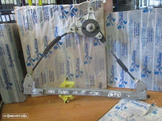 Elevador manual 9631473080 CITROEN / XSARA PICASSO / 2005 / 5P / TD /