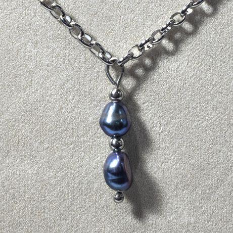 Naszyjnik z naturalnych ciemnych pereł