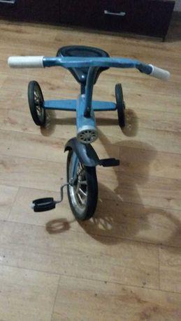 Ретро велосипед трехколесный