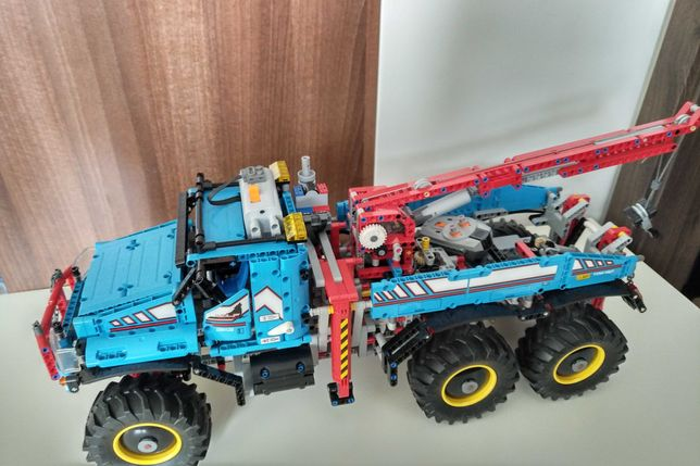 LEGO Technic 42070 Terenowy holownik 6x6