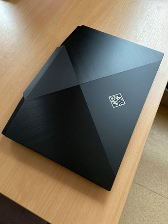 "Laptop HP Omen 15 / i7-10750 / RTX 2070 Super / 16 GB / 144hz / 15"""