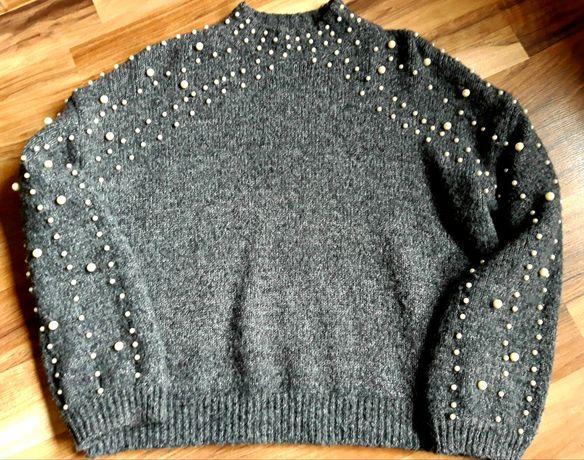 Sweter z perełkami