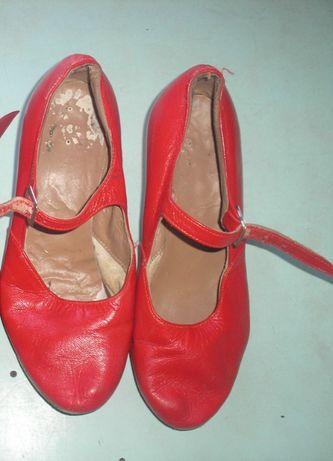 Обувь танцевальная р.39-40.