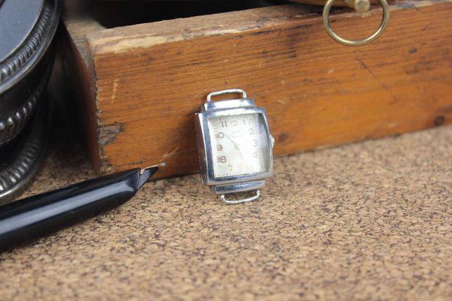 Винтажные советские женские наручные часы Заря СССР