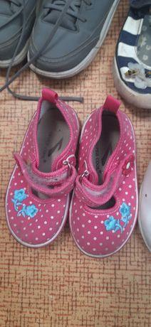 Продам обувь  дитячя