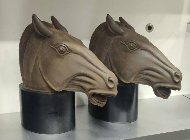2 cabeças de cavalo decorativas novas