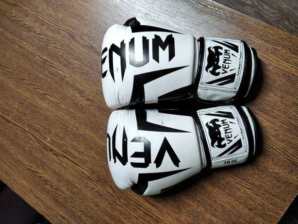 Перчатки для бокса венум