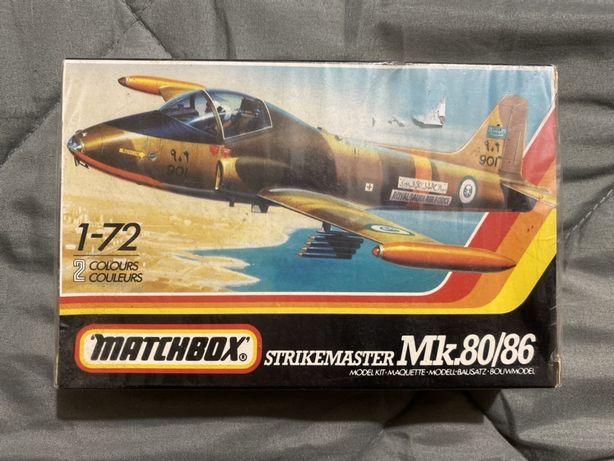 Avião Matchbox - Strikmaster mk.80/86 selado