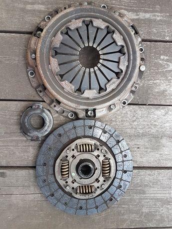 Sprzęgło Avensis T25 Kompletne