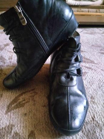 Продам ботинки настоящая кожа