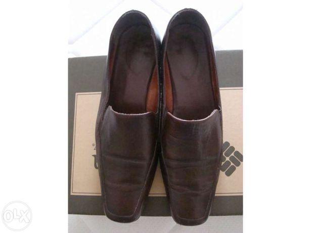 Sapatos castanhos de senhora tamanho 38