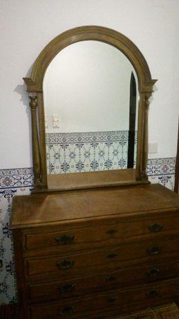 comoda e espelho muito antigos conjunto