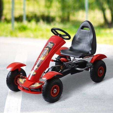 Kart a pedais com assento ajustavel para crianças